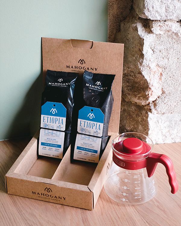 Pack Filtro en Casa, compuesto de dos cafés de especialidad Etiopía y un Kit V60